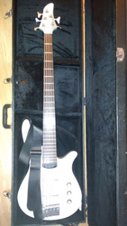 Yamaha RBX A2 5 strings Pasive Bass Guitar - White