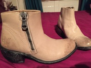 John Fluevog women's tan leather boots size 6.5 new
